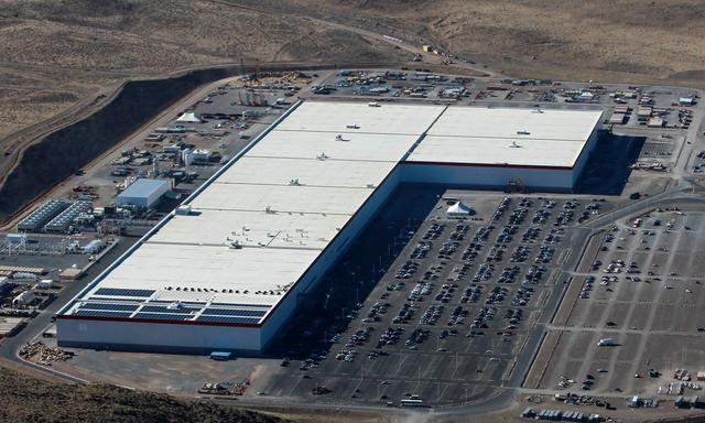 reuters.com - Reuters Editorial - Fire contained at Tesla Gigafactory in Nevada