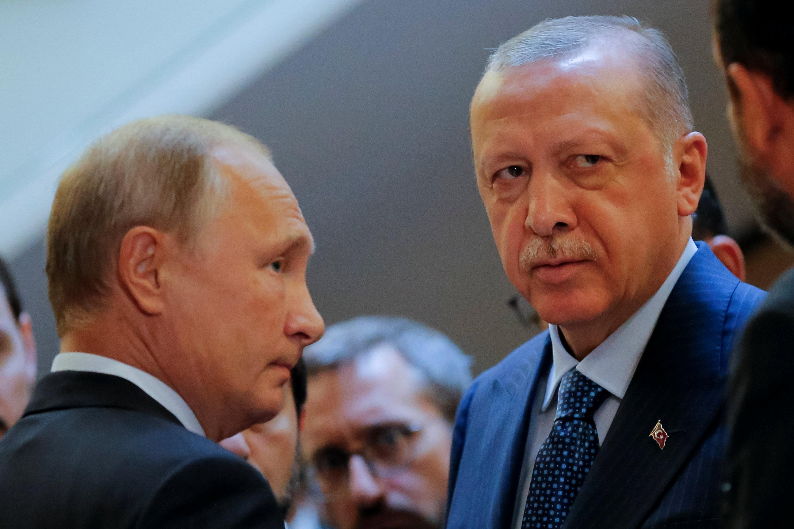 Russian President Vladimir Putin (L) meets with his Turkish counterpart Tayyip Erdogan in Sochi, Russia September 17, 2018. Alexander Zemlianichenko/Pool via