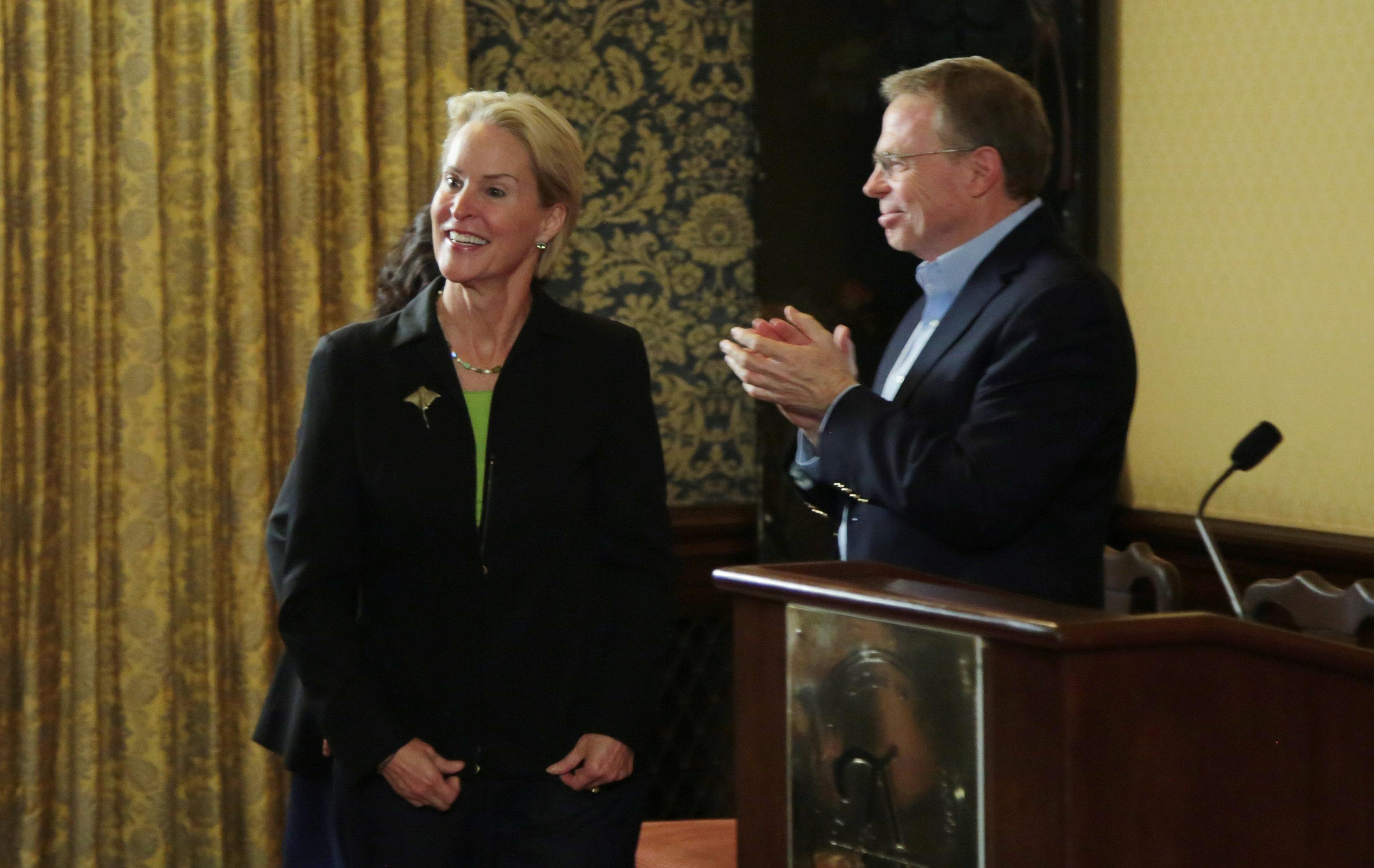 Frances Arnold, winner of the 2018 Nobel Prize in Chemistry, is applauded by Caltech Provost David A. Tirrell (R), during a news conference at California Institute of Technology (Caltech) in Pasadena, California, U.S., October 3, 2018.    Kyle Grillot?