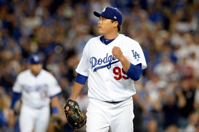 027492b8d Ryu silences Braves  Dodgers blast three homers - Reuters