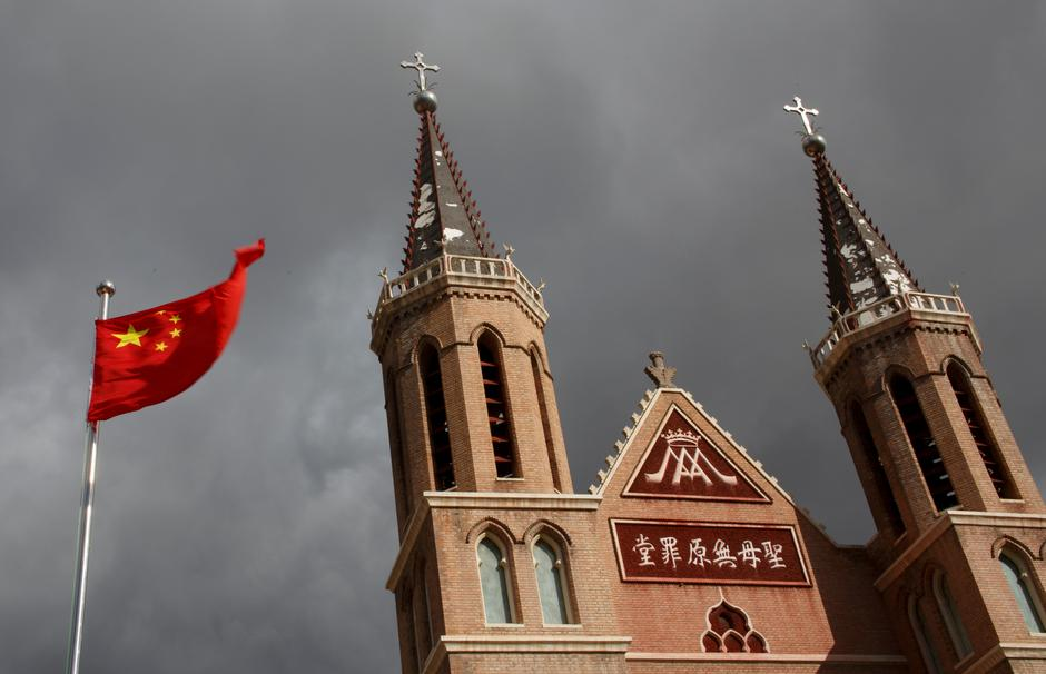 China Removes Crosses That Are 'Higher' Than National Flag from Church Roofs