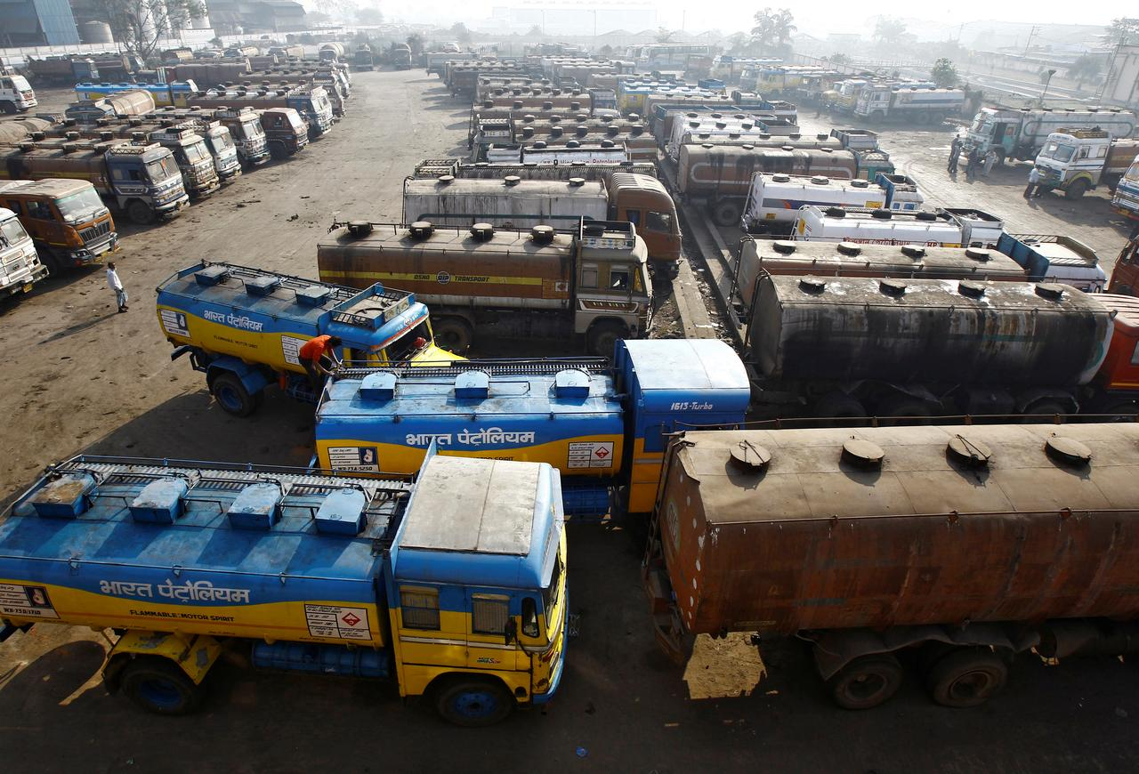 India's African oil imports hit 3-year high in October: trade - Reuters