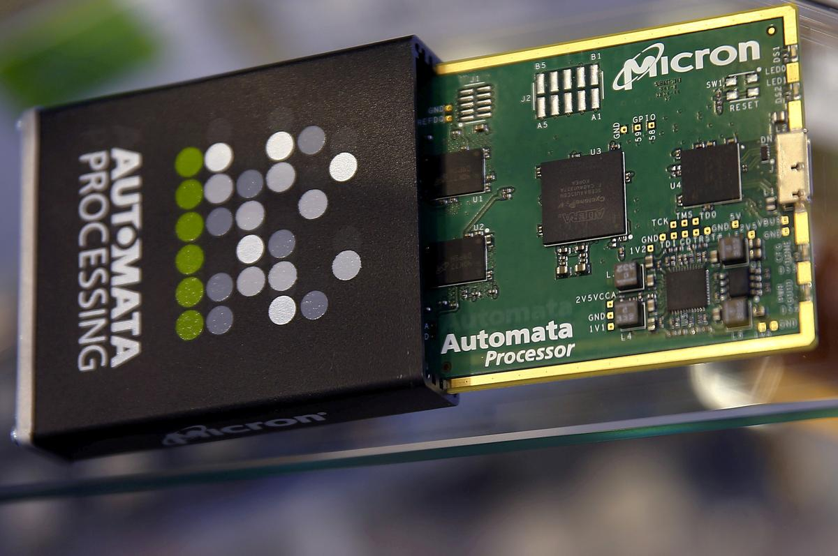 Micron Leads Chipmaker Losses as Demand Concerns Grow