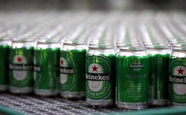 Latas de cerveja Heineken em cervejaria em Jacareí, Brasil12/06/2018REUTERS/Paulo Whitaker