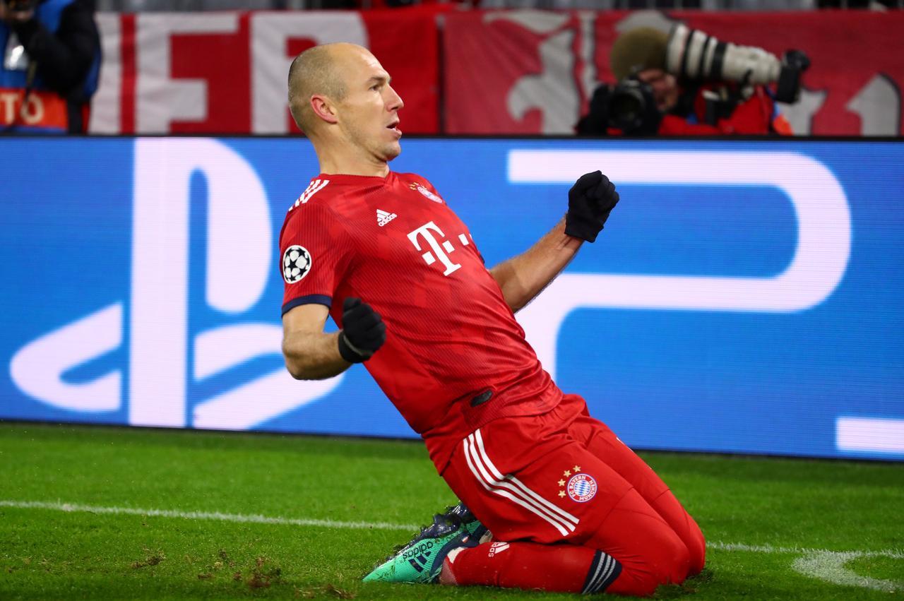 941b5ec15 ... League - Group Stage - Group E - Bayern Munich v Benfica - Allianz  Arena