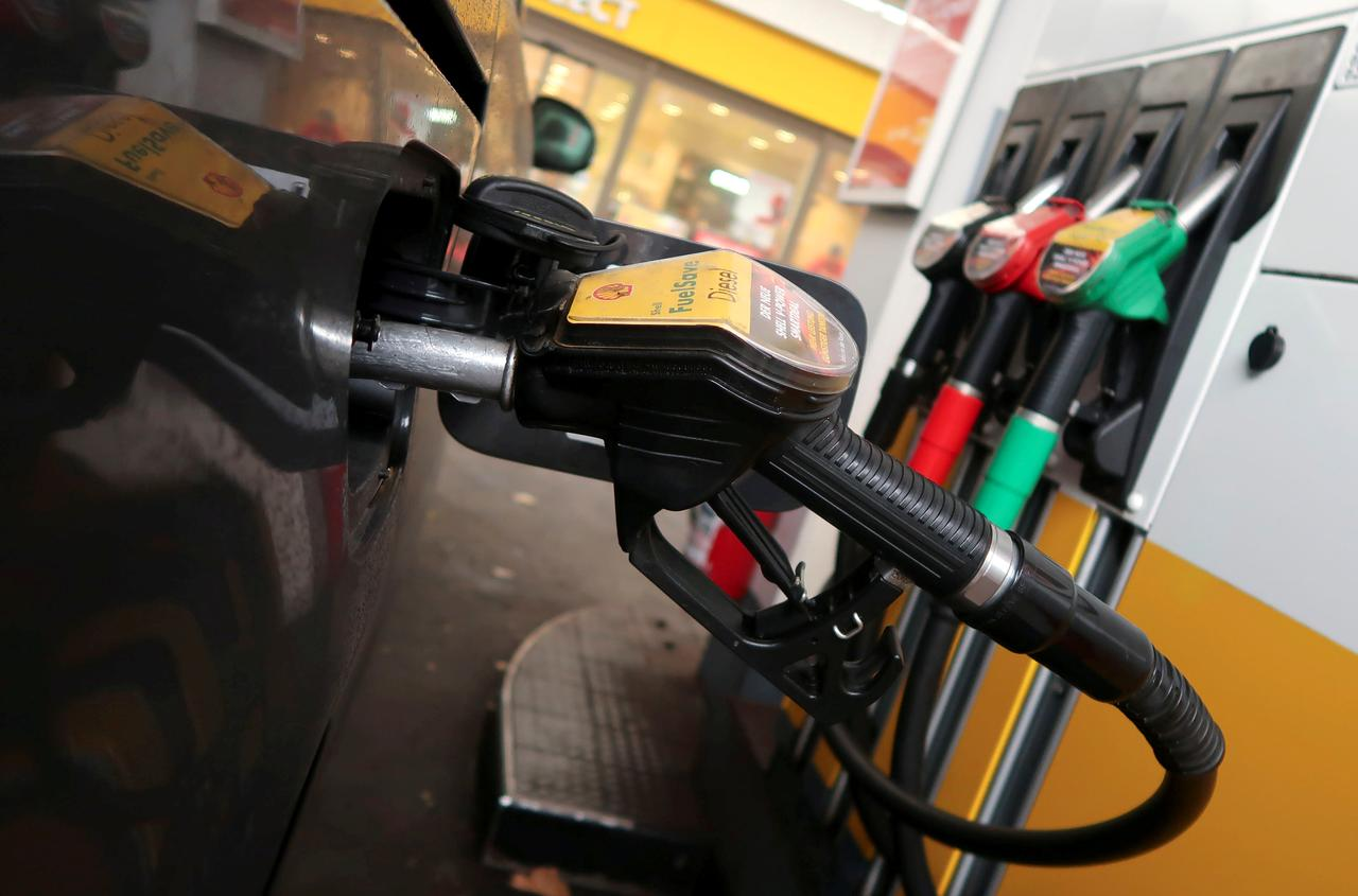 Image result for Shell sets carbon cutting targets after investor pressure