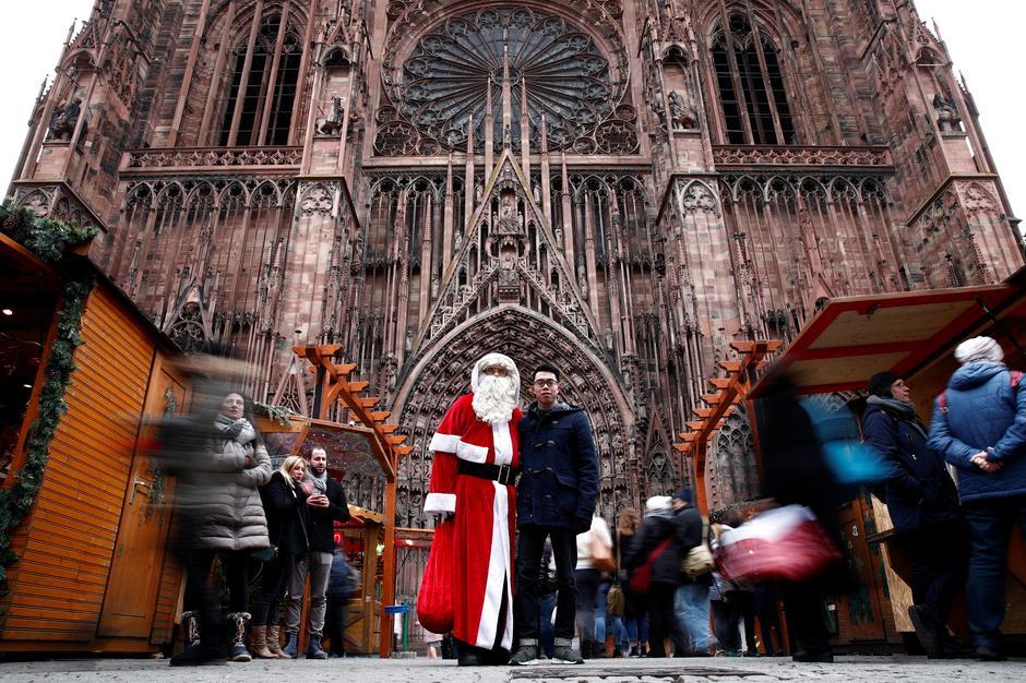 Strasbourg Christmas Market Shooting.Strasbourg Reopens Christmas Market After Attacker Shot Dead