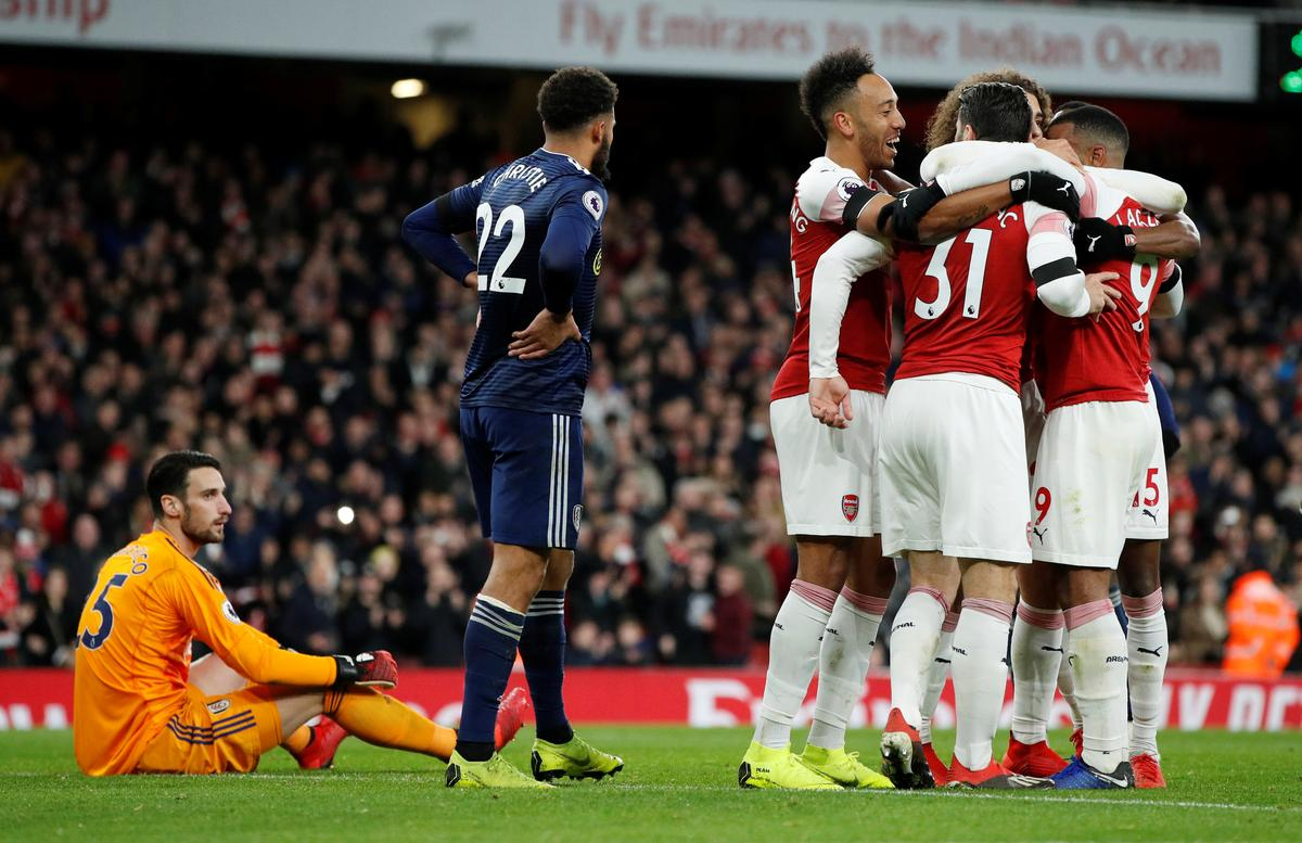 Soccer: Arsenal bounce back with 4-1 win over Fulham - Reuters
