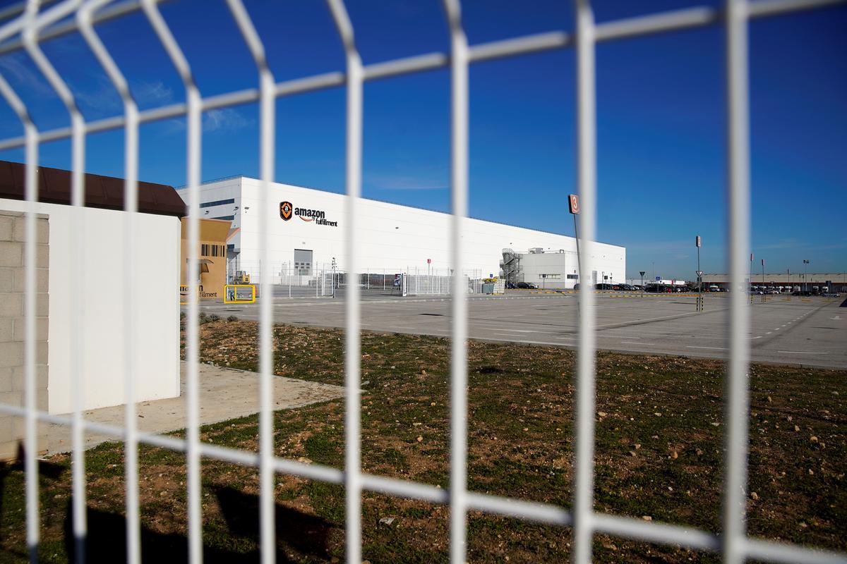 Amazon Workers Strike In Spain Ahead Of Three Kings Gift Giving