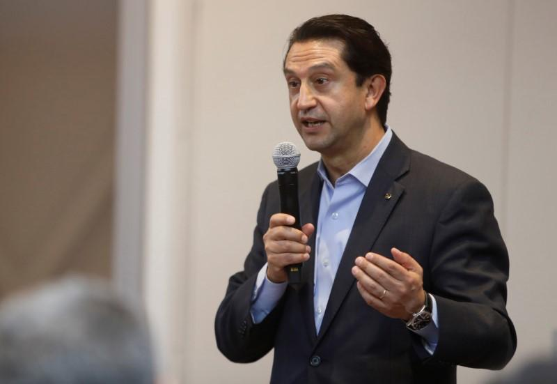 Nissan's executive Munoz takes leave of absence
