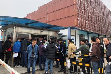 焦点:春節控えた中国で工場閉鎖相次ぐ、貿易摩擦が雇用に影