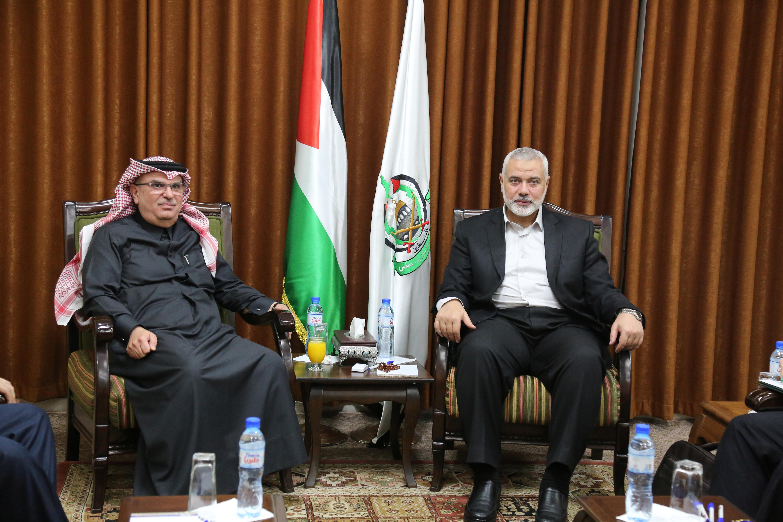 Hamas refuses to let Qatar pay Gaza salaries