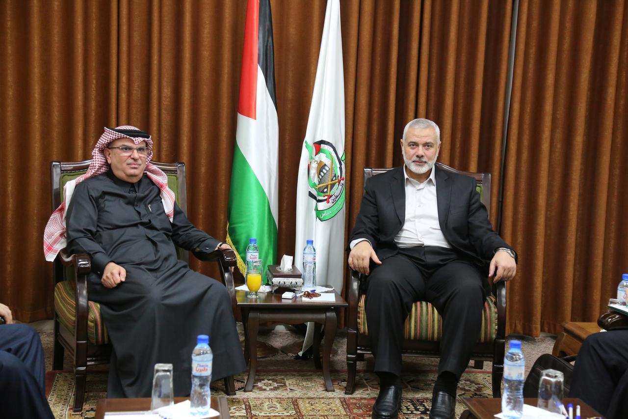 Hamas refuses to let Qatar pay Gaza salaries - Reuters