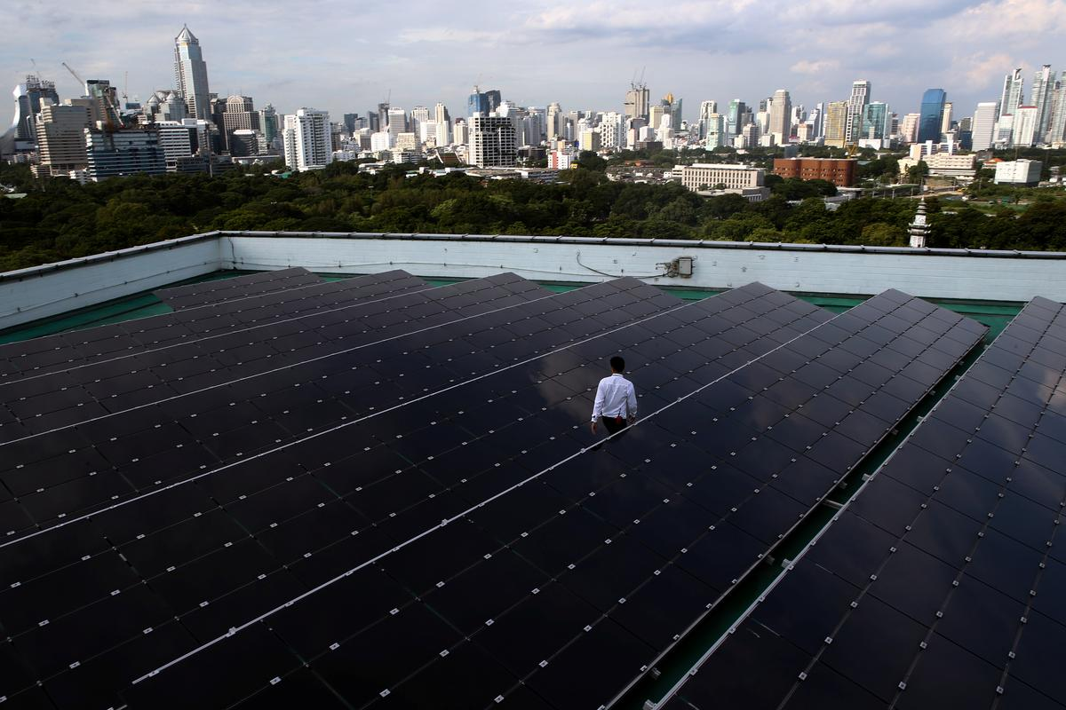 'Party is over for dirt-cheap solar panels, says China executive' /