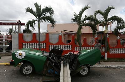 Rare tornado strikes Havana