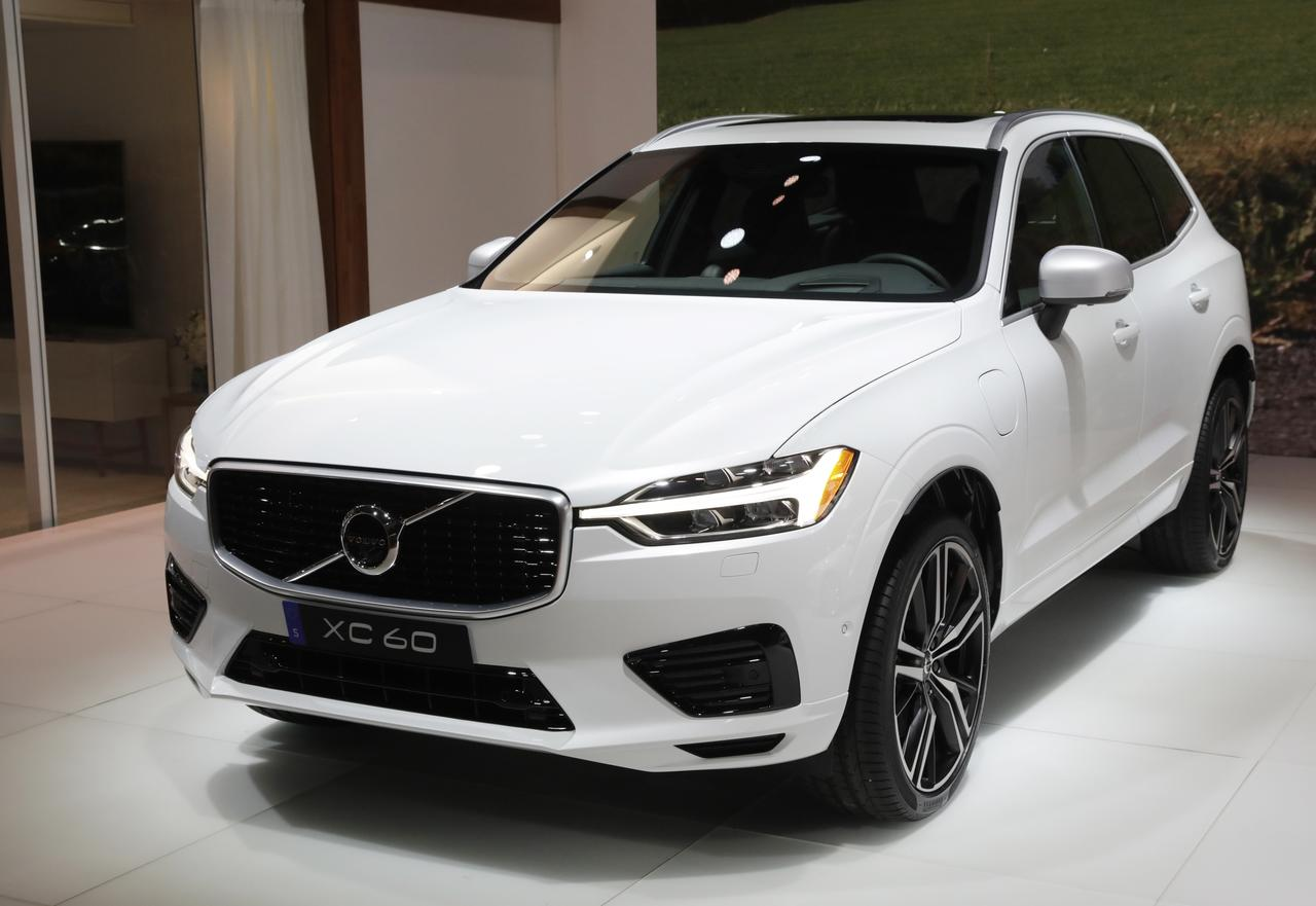 Volvo to recall 167,000 cars due to possible tailgate fault