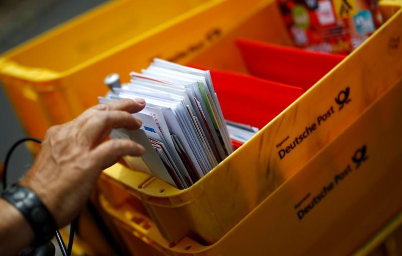 Bund Könnte Post Weg Zu Höherem Briefporto Ebnen Reuters