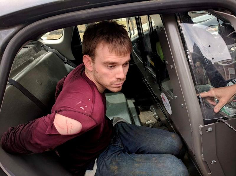 Suspect accused in deadly Tennessee Waffle House shooting pleads not