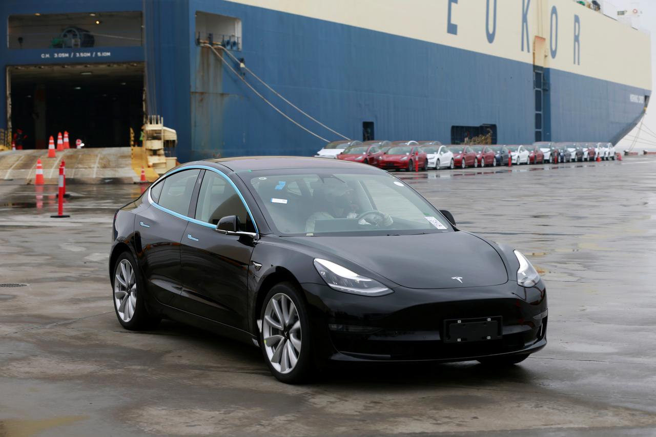 Tesla rolls out Model 3 in China ahead of schedule in sales