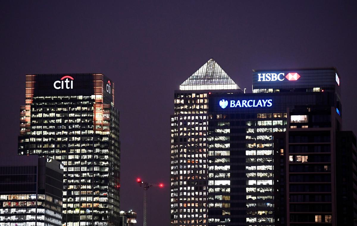 UK bank CEOs paid 120 times as much as average employee