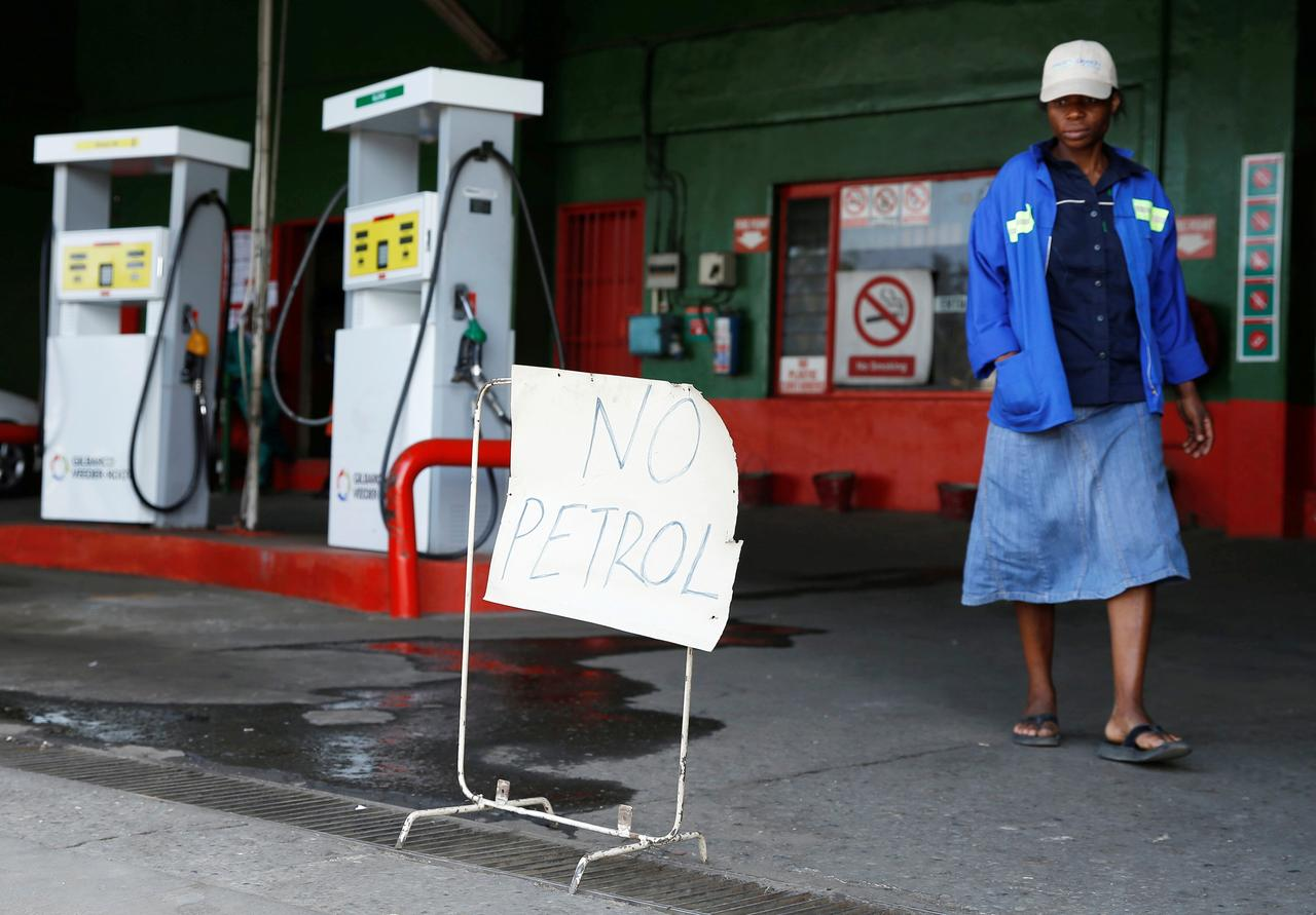 Zimbabwe allows mines, others to import own fuel as shortages bite