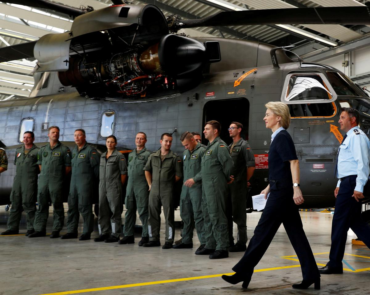 Germany not satisfied with readiness of submarines, some aircraft