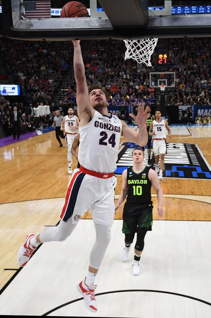 Clarke leads No  1 seed Gonzaga over Baylor - Reuters