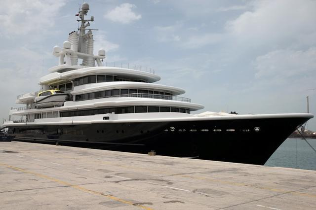 Dubai Court Restores Yacht To Russia Tycoon Move Disputed In