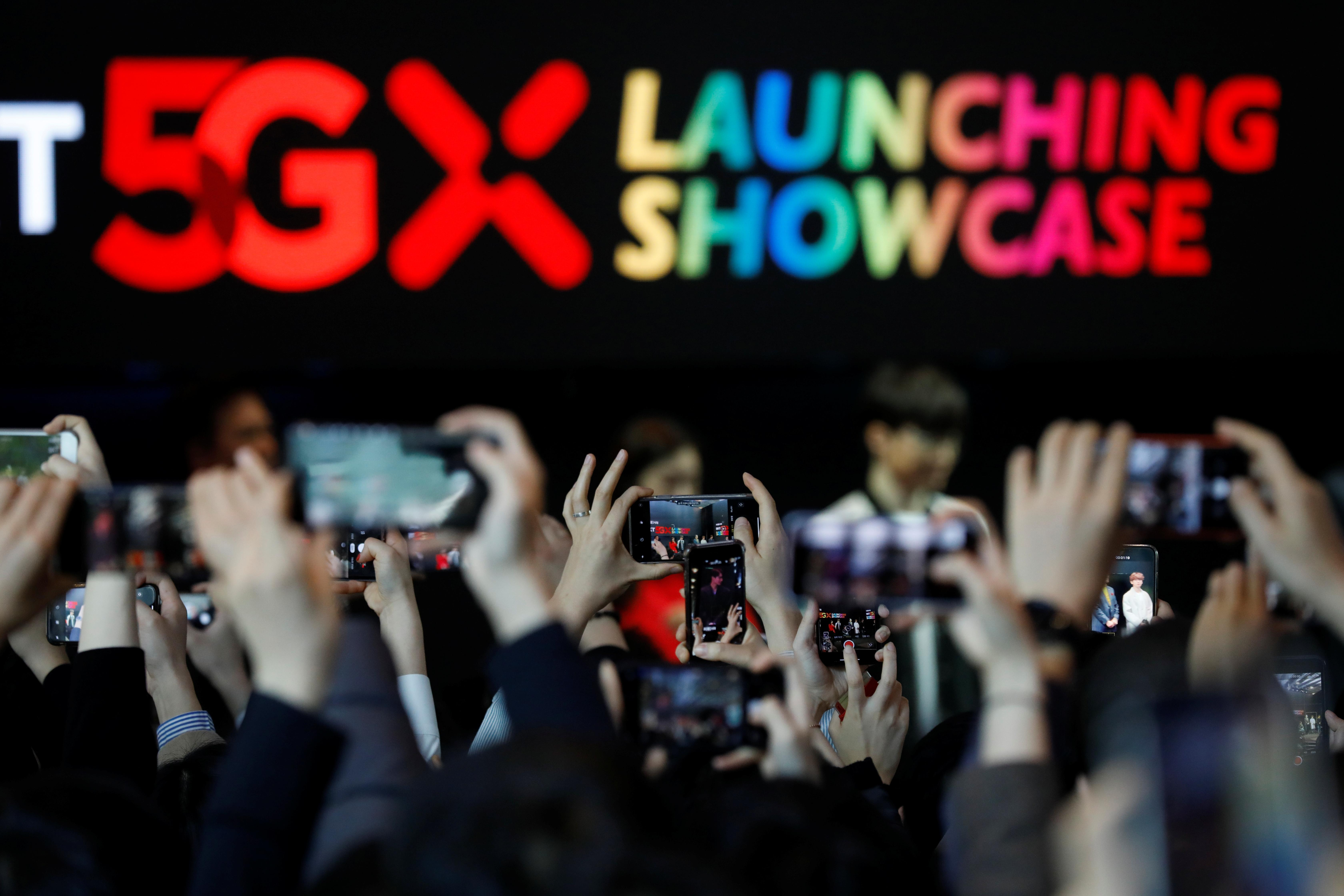 South Korea rolls out 5G services on phones, in race with U.S. and China