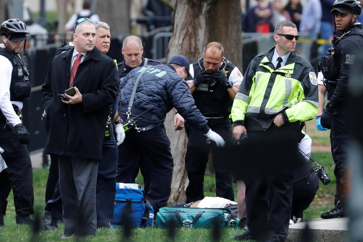 Man hospitalized after lighting jacket on fire outside White House