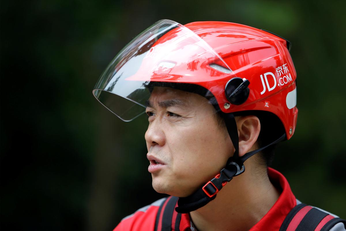 China's JD.com boss criticizes 'slackers' as company makes cuts