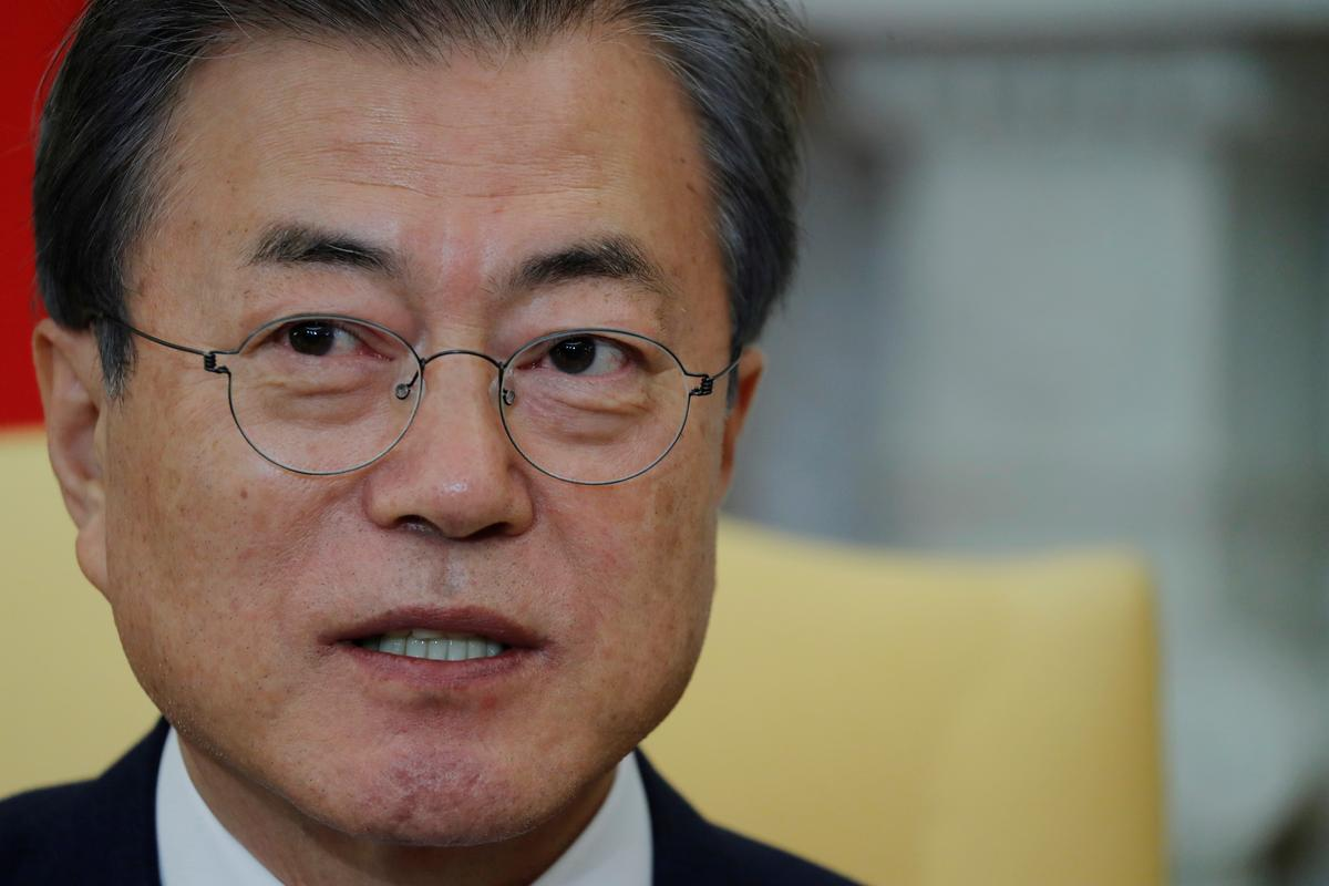 South Korea's Moon pushes for summit with North Korea's Kim despite nuclear standoff