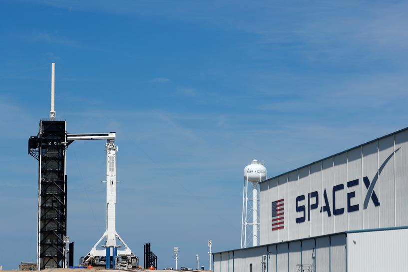 reuters.com - Reuters Editorial - Elon Musk's SpaceX suffers capsule anomaly during Florida tests