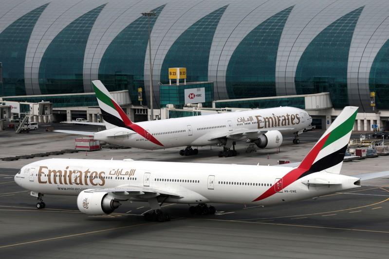UPDATE 1-Emirates reports weakest full year profit in a decade