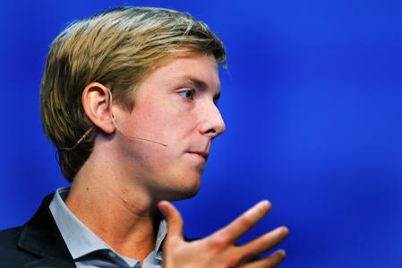 Facebook co-founder calls for company breakup, U.S. lawmakers chime in