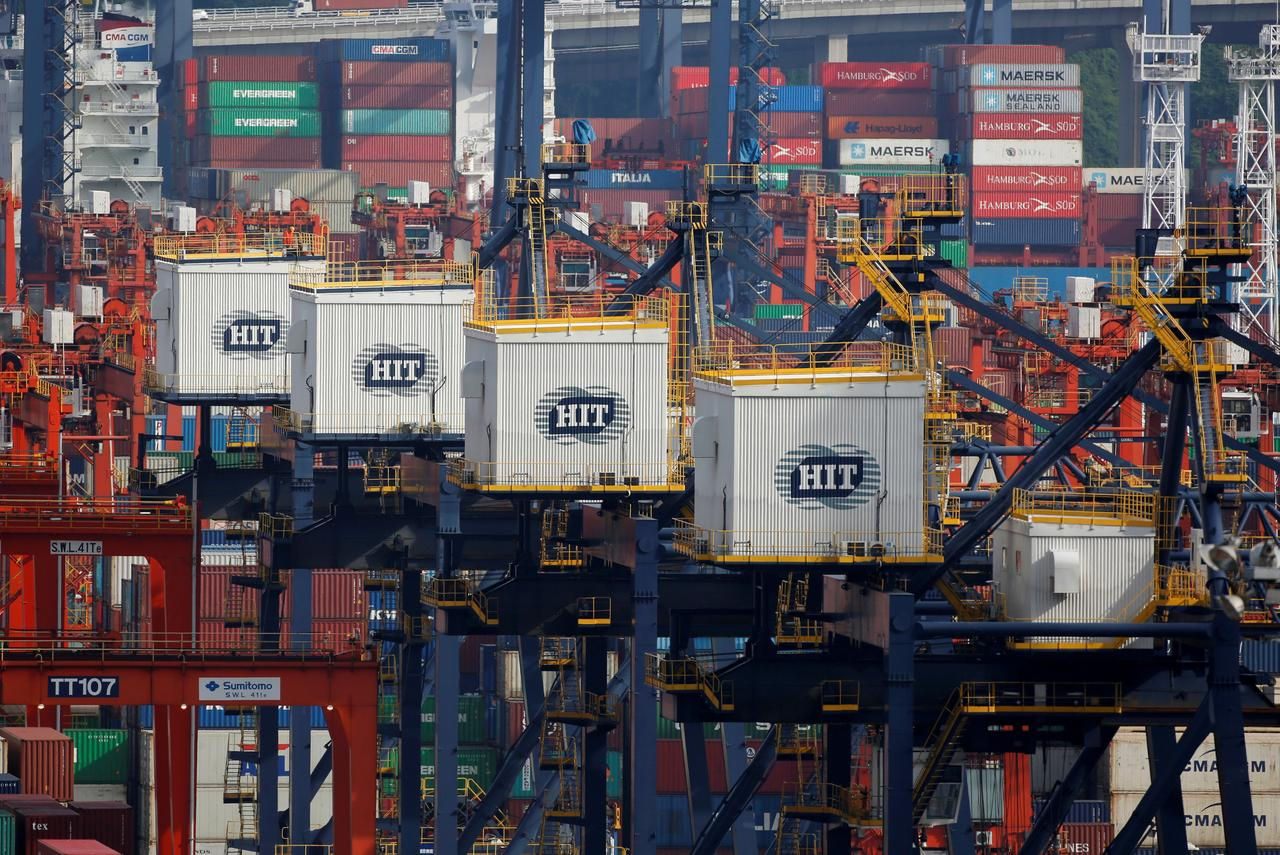 U S  Customs agency issues tariff increase notice, allows