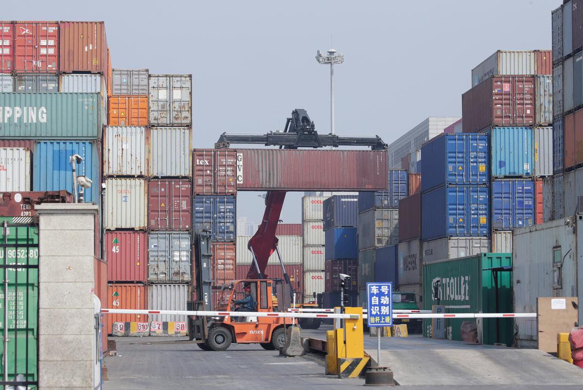 China's tough rhetoric leaves trade talks with U.S. in limbo