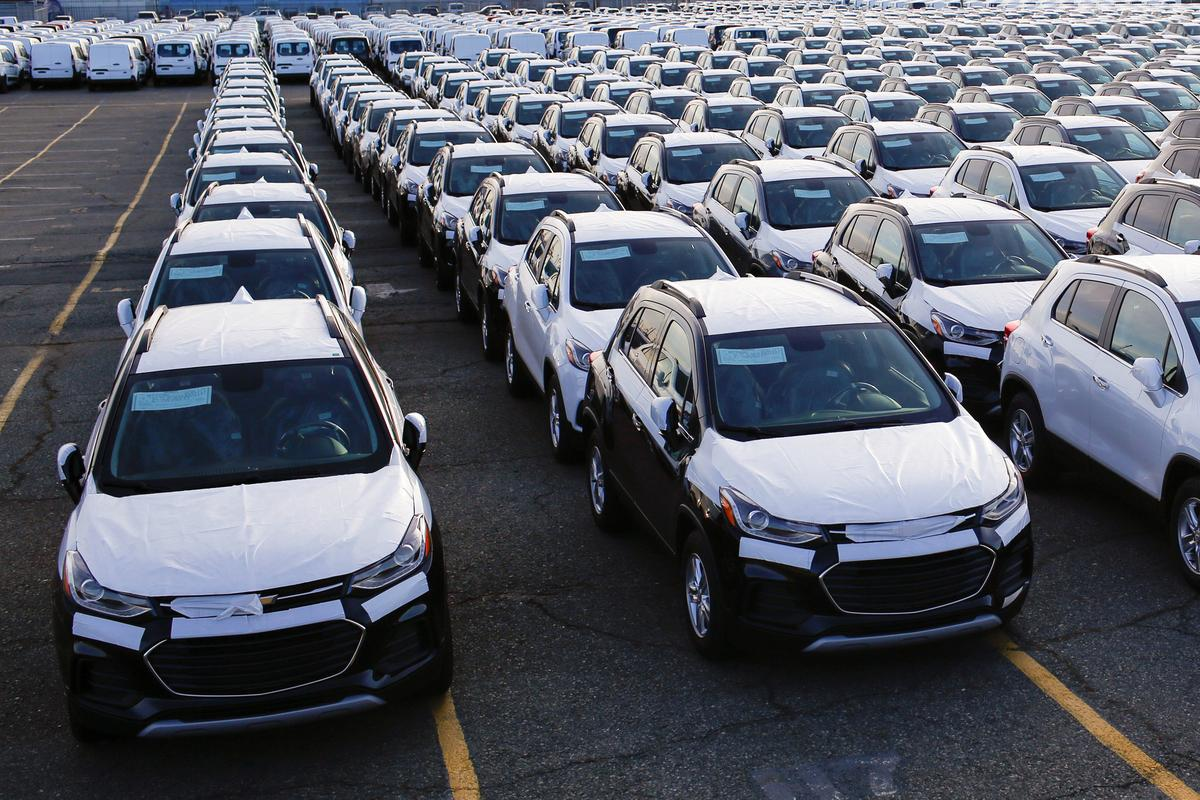 Trump declares some auto imports pose national security