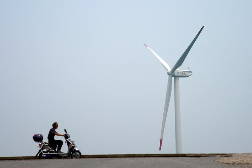 reuters.com - Reuters Editorial - China approves 20.76 GW of subsidy-free solar, wind power projects