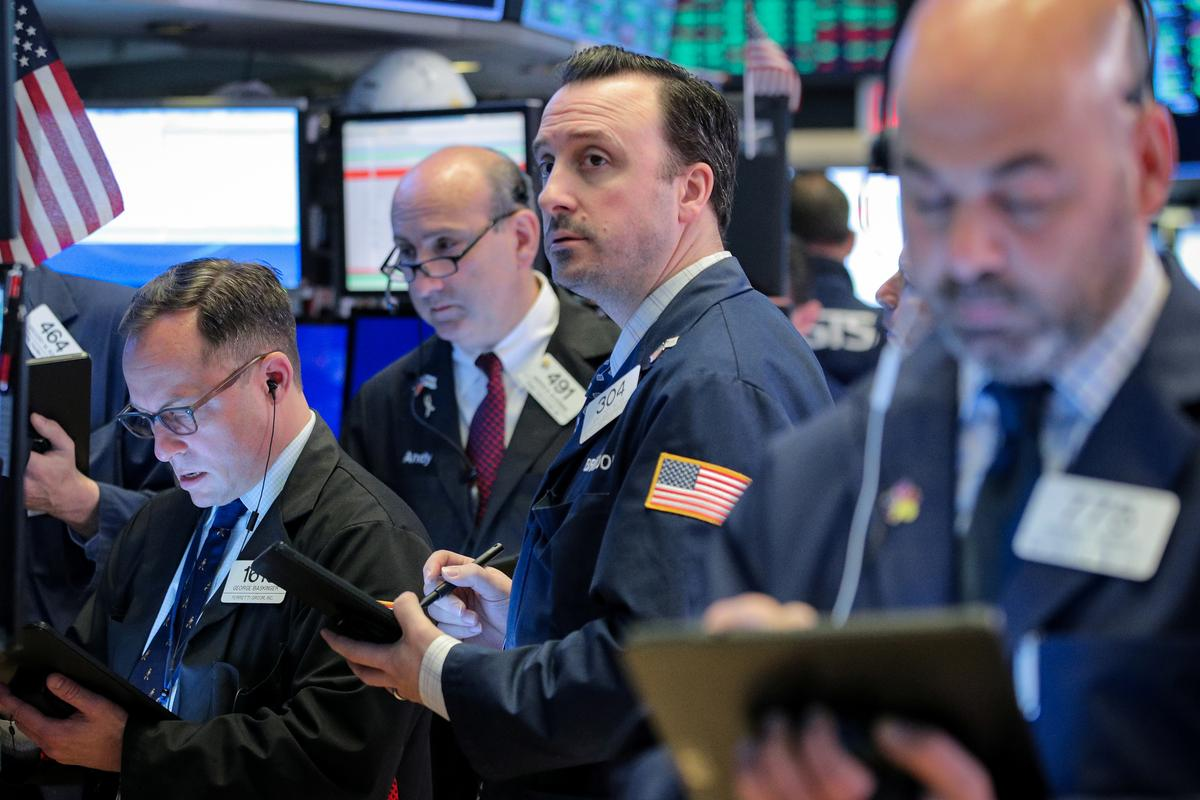 Wall St. to fall at open on fears of likely U.S.-China tech cold war