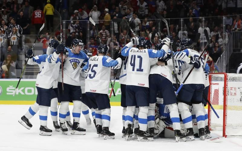 Ice Hockey Canada And Finland Reach World Championship Final Reuters