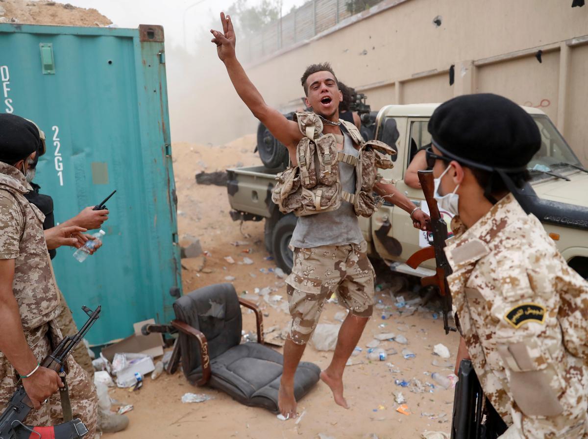 Heavy fighting in Libyan capital