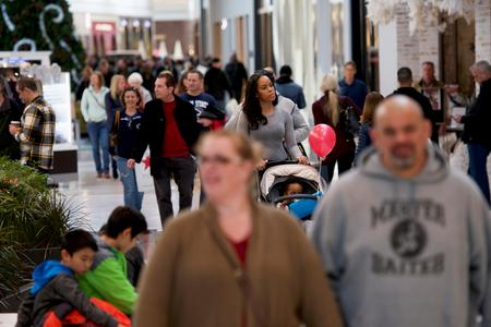 Strong labor market boosts U.S. consumer confidence