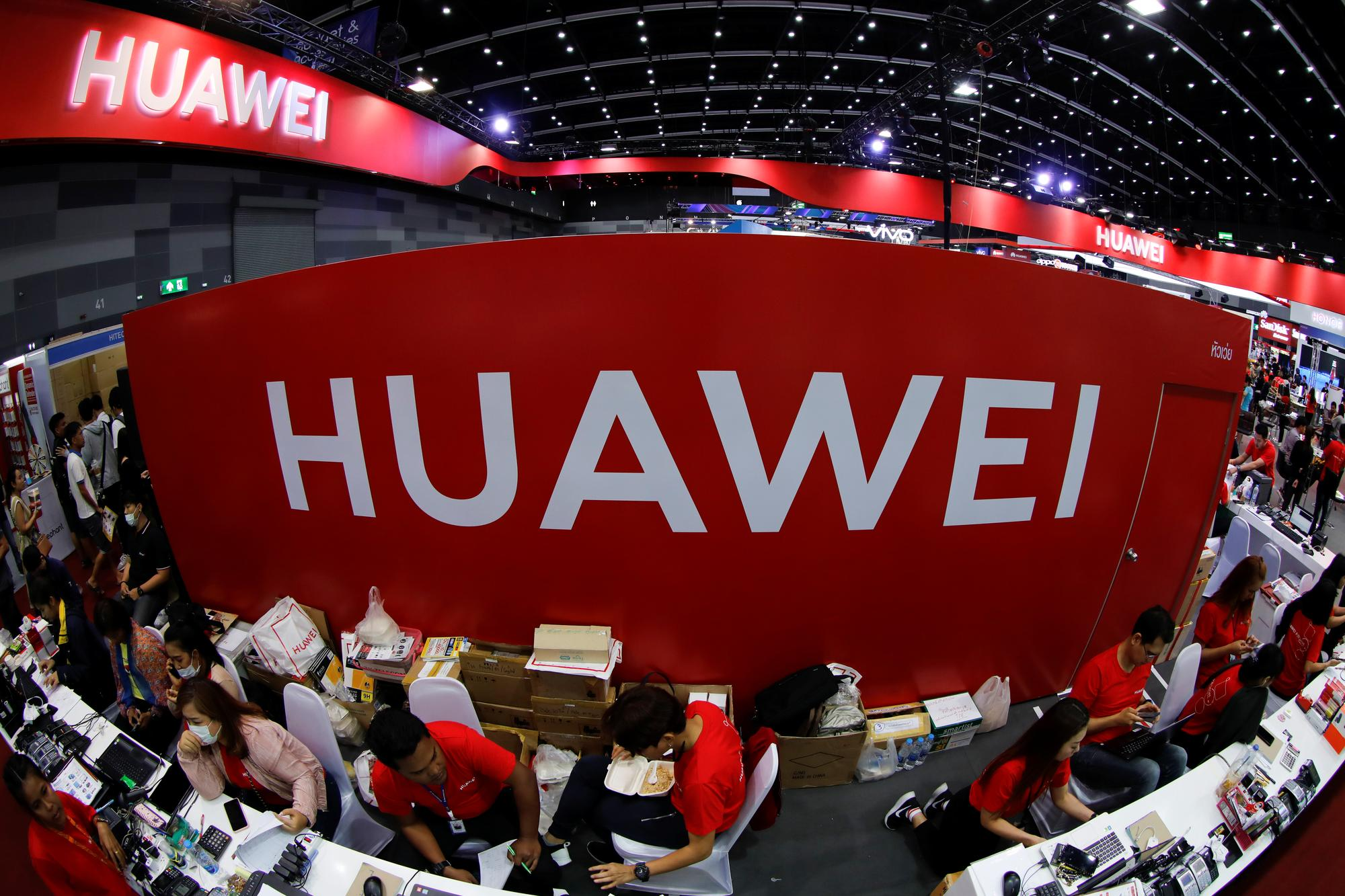 U.S. urges judge to deny Huawei motion in government effort to disqualify lawyer