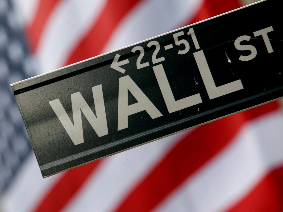 Wall St. Week Ahead: Top U.S. bond managers betting bond market still has room to run