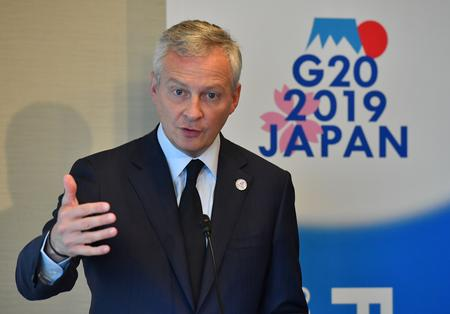UPDATE 1-France's Le Maire says 'essential' to bolster Renault-Nissan alliance