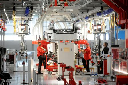 Employees sour on Tesla amid cost-cutting, layoffs