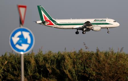 Industry min open to discuss with everyone, including Atlantia, on Alitalia -sources