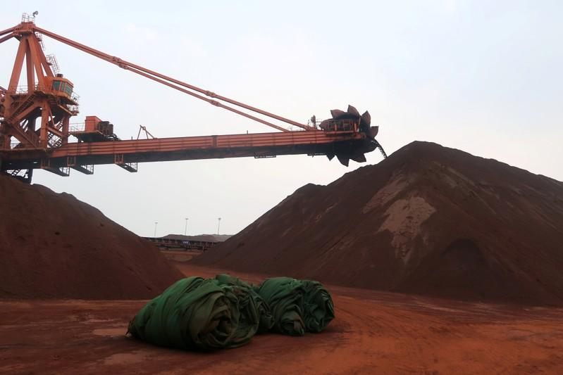 China's iron ore, steel prices diverge as trade war vies with supply woes: Russell