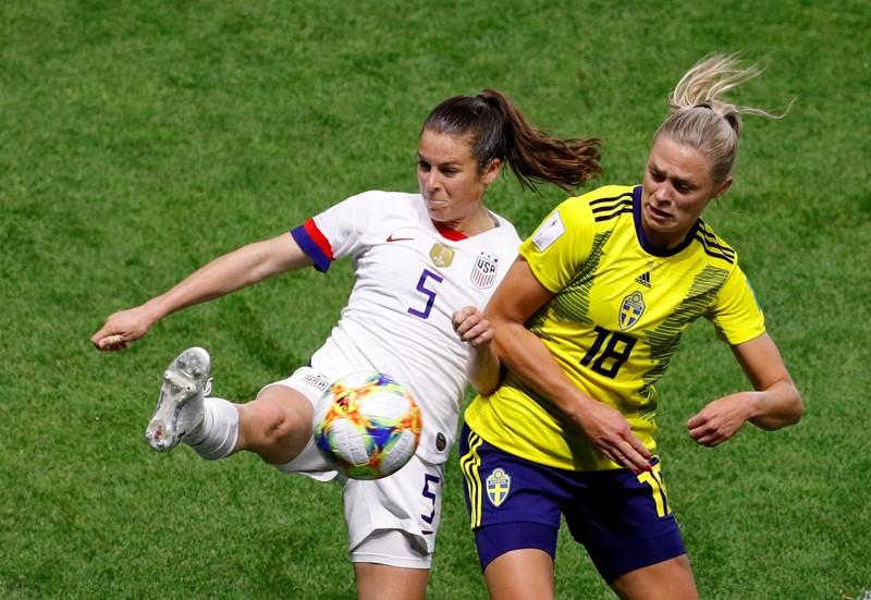 Perfect U.S. beat Sweden 2-0 to top Group F